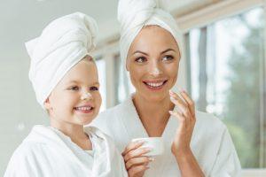 Как выбрать безопасную детскую косметику
