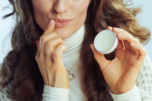 Витамины от сухости кожи: что поможет при шелушении кожи?